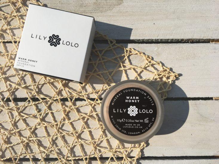 mineralny podkład Lily Lolo