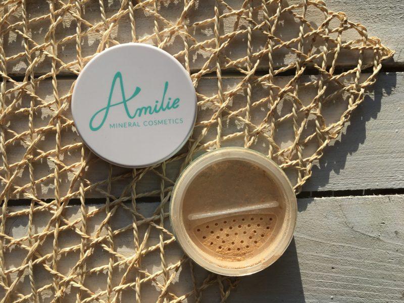 Naturalny mineralny podkład kryjący Amilie