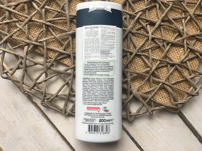 Oczyszczający szampon z węglem ALTERRA