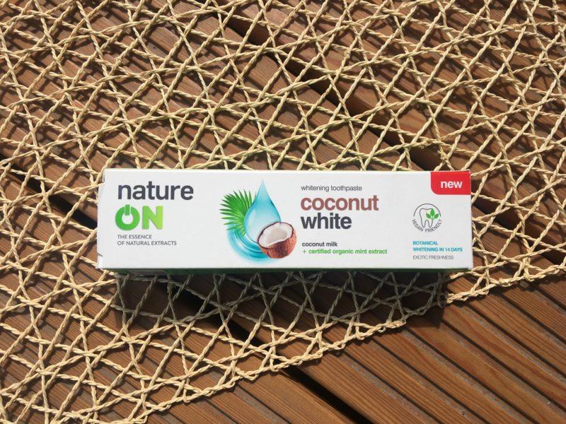 Wybielająca pasta do zębów NatureOn